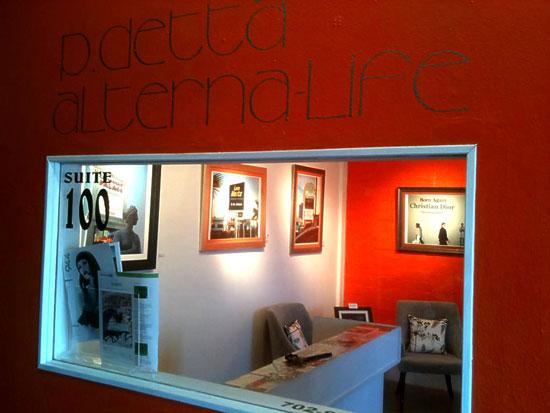 PDetta Exterior of Laura Henkel Fine Arts