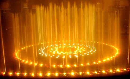 Teatro wynn fountain gold